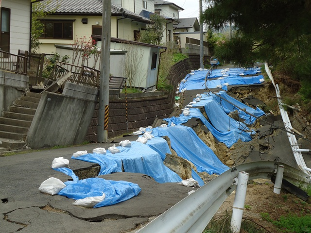 東日本大震災後の宮城県山元町内陸側の様子