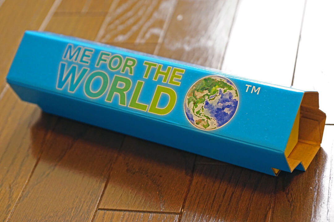 "募金貯金箱""Me For The World"""